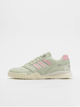 adidas originals Baskets A.R. Trainer vert