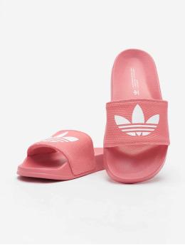 adidas Originals Claquettes & Sandales Adilette Lite rose