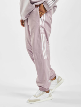 adidas Originals Männer Jogginghose Woven in violet
