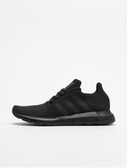 adidas originals Snejkry Swift Run čern