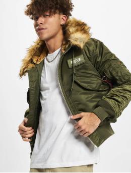 Alpha Industries Зимняя куртка 45p Hooded Custom зеленый