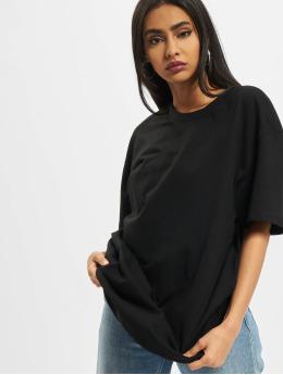 Build Your Brand T-skjorter Ladies Oversized Boyfriend svart