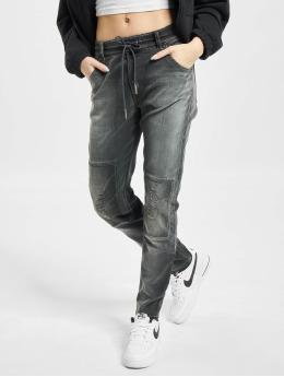 Diesel Boyfriend Jeans Krailey  čern