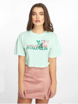 Glamorous / T-shirt Stronger i grön