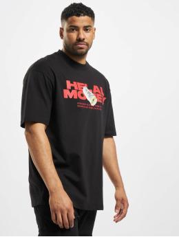 Helal Money T-skjorter Money First svart