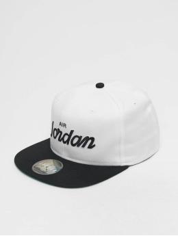 Jordan Snapback Caps Pro Script bialy