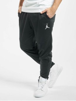 Jordan Verryttelyhousut 23 Alpha Therma Fleece musta