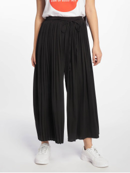 Missguided Chinot/Kangashousut Pleated musta