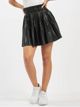Missguided Spódniczki Pu Pleated Elasticated Waist Mini czarny