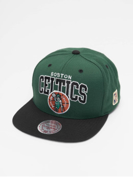 new styles afa0b b408e Mitchell   Ness Snapback Cap Boston Celtics HWC Team Arch grün