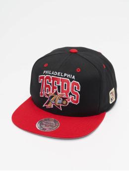 7ba678c96ce9f Mitchell   Ness Snapback Cap Philadelphia 76ers HWC Team Arch schwarz