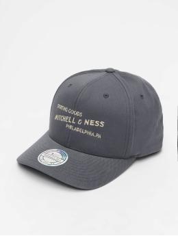 Mitchell & Ness Snapback Caps Sporting Goods šedá