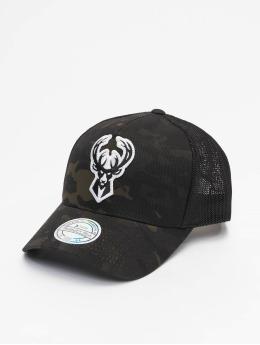 Mitchell & Ness Trucker Cap Multicam M. Bucks schwarz