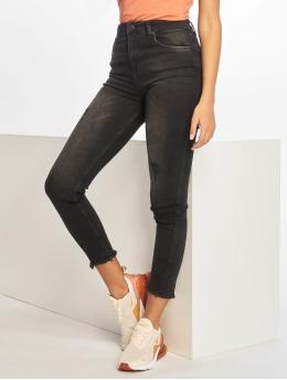 NA-KD Skinny Jeans Twisted  čern