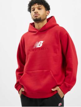 New Balance Bluzy z kapturem MT93519 czerwony