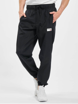 New Balance Jogginghose Athletics schwarz