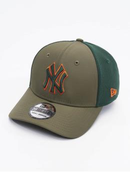 New Era Flex fit keps MLB New York Yankees Mesh Back 39Thirty oliv