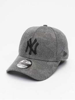 New Era Flexfitted Cap MLB NY Yankees Engineered Plus 39Thirty èierna