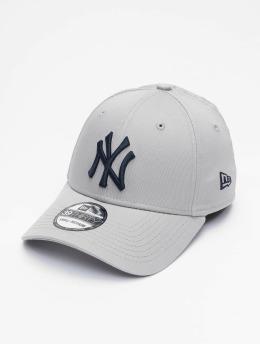 New Era Flexfitted Cap MLB NY Yankees League Essential 39Thirty grau