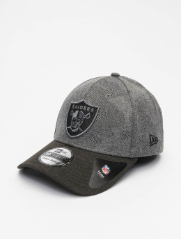 New Era Flexfitted Cap NFL Oakland Raiders Engineered Plus 39Thirty zwart