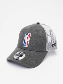 New Era Gorra Trucker NBA Logo Home Field 9Forty gris