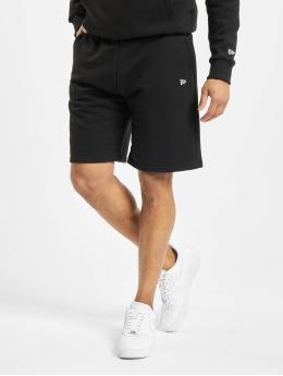 New Era Shorts Heritage  schwarz