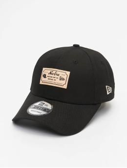 New Era Snapback Cap Heritage Patch schwarz
