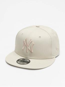 New Era Snapback Caps MLB NY Yankees League Essential 9Fifty beige