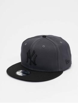 New Era Snapback Caps MLB New York Yankees League Essential 9fifty grå