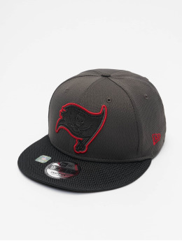 New Era Snapback Caps NFL Tampa Bay Buccaneers Sideline Road 9Fifty grå
