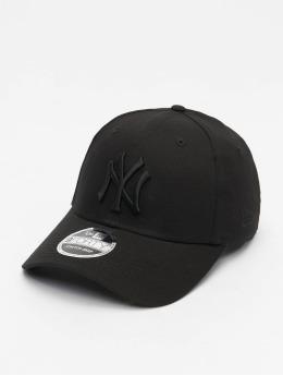 New Era Snapback Caps MLB New York Yankees Black On Black 9Forty svart
