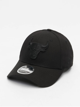 New Era Snapback Caps NBA Chicago Bulls Black On Black 9Forty svart