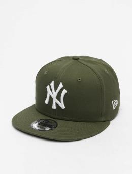New Era Snapback MLB NY Yankees Essential 9Fifty zelená
