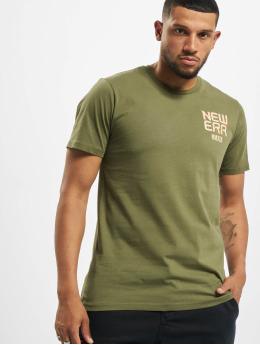 New Era t-shirt World Tour olijfgroen