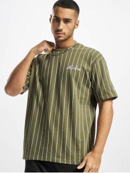 New Era T-shirt Oversized Pinstripe oliva