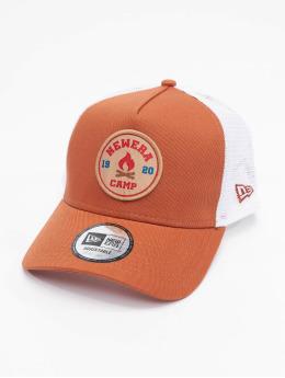 New Era Trucker Caps Ne Camp Patch oranžový