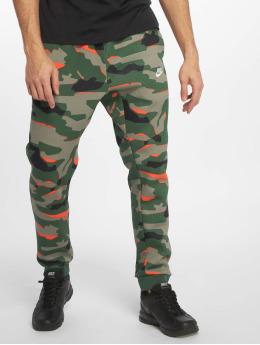 Nike Спортивные брюки Sportswear зеленый