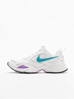 Nike Baskets Air Heights blanc