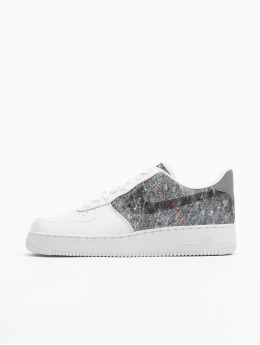 Nike Baskets Air Force 1 '07 LV8 blanc
