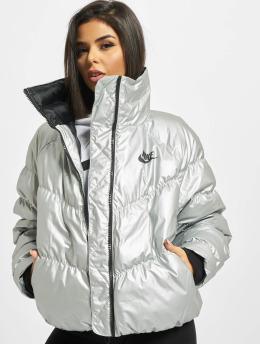Nike Gewatteerde jassen Synthetic Fill zilver