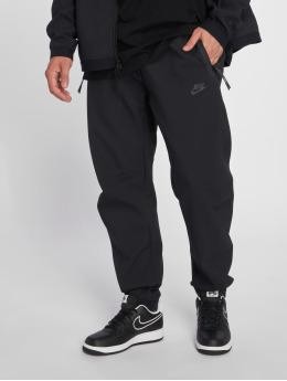 Nike / Joggingbyxor Sportswear Tech Pack i svart
