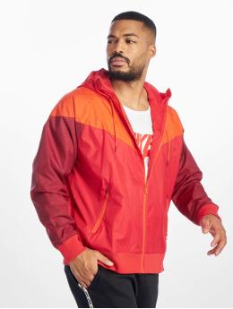Nike Kurtki przejściowe M Nsw He Wr Jkt Hd czerwony