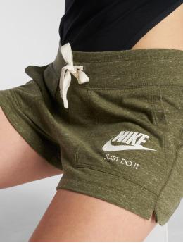 Nike Pantalón cortos NSW Gym Vintage oliva