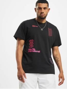Nike SB t-shirt International  zwart