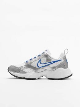 Nike Sneaker Heights weiß