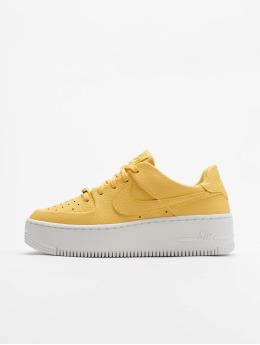 Nike Sneakers AF1 Sage Low žltá