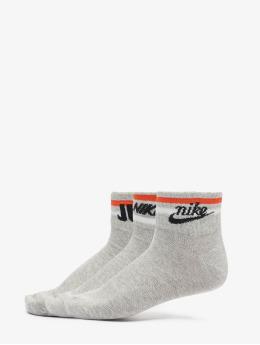 Nike Sukat Everyday Essential Ankle 3-Pack harmaa