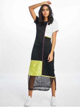 Nike Sukienki SS  czarny
