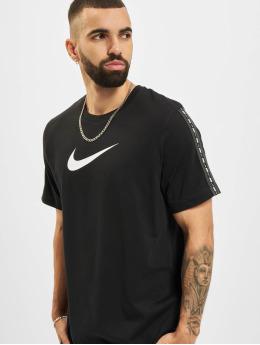 Nike T-paidat Repeat musta