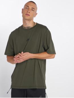 Nike t-shirt Sportswear Tech Pack  olijfgroen